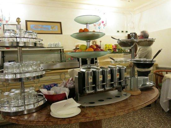 Hotel San Moise : Breakfast