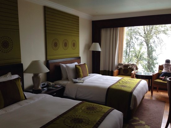 Holiday Inn Resort Penang: Lovely rooms but need abit of updating