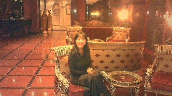 Sozbir Royal Residence Hotel: Otelin içi çok görkemli
