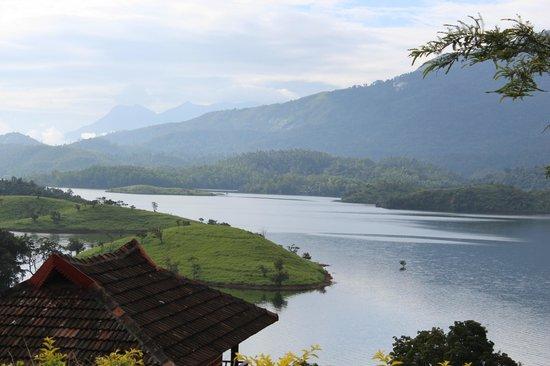 Banasura Island Retreat : The view of the Lake from the Main Retreat.