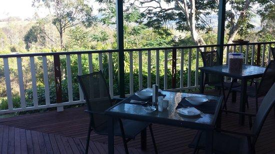 Amamoor Homestead : Breakfast on the Homestead verandah
