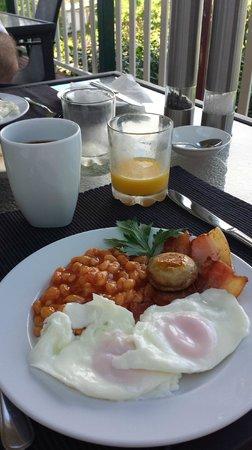 Amamoor Homestead : Cooked breakfast on the Homestead verandah