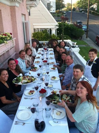 Pendleton House Historic Inn : Balcony dinner, warm spring night, wonderful food & great friends!!