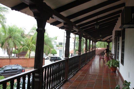 Corredor o terraza del segundo piso picture of urbari for Terrazas 2do piso