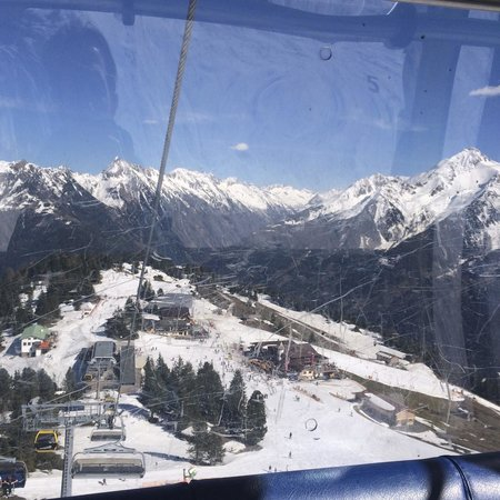 Mayrhofner Bergbahnen: View from the cable car