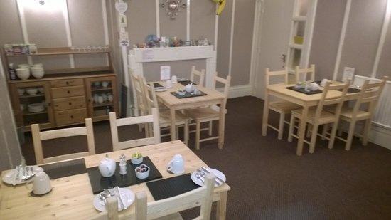 Waves Hotel: Breakfast Room