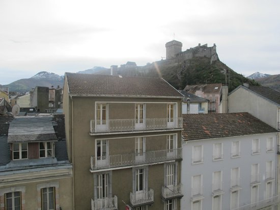 Hotel La Coupole: view of the Castle