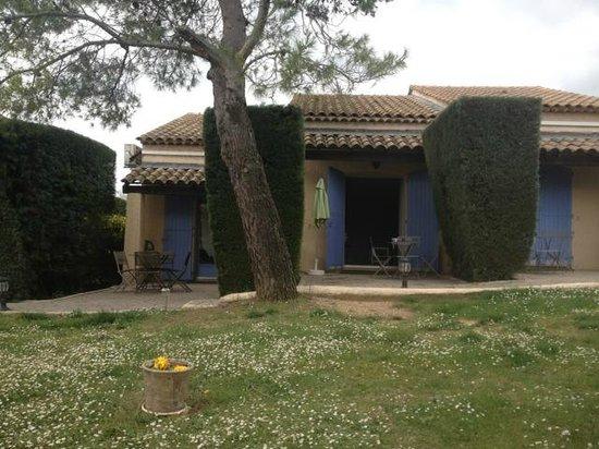 Auberge des Pins: extérieur studio jardin