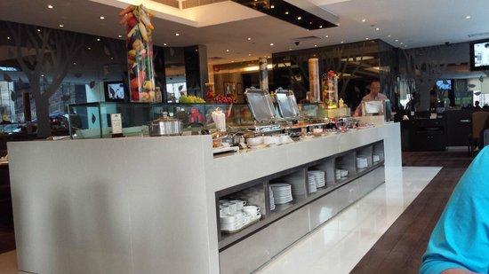 Stanford Hillview Hotel : Ontbijt diner buffet