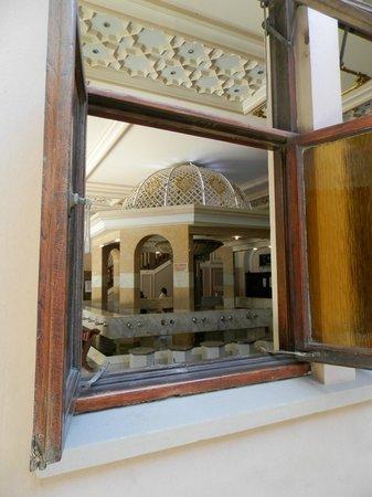 Juma Masjid Mosque: Inside The Mosque