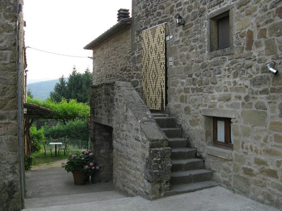 Agriturismo Ristorante Acquaviva: Der Einang ist nicht leicht zu finden
