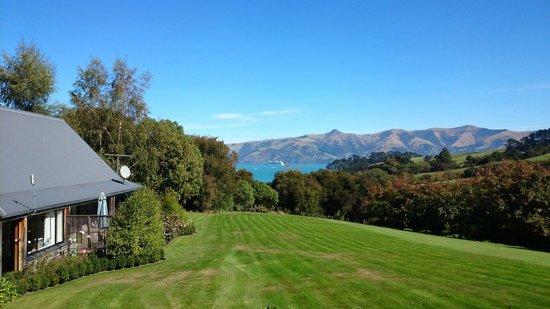 Akaroa Cottages - Heritage Collection: Parkplatz vor der Rezeption