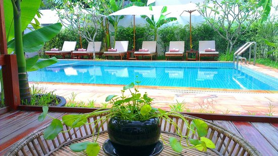 Apsara Centrepole Hotel: Pools Side