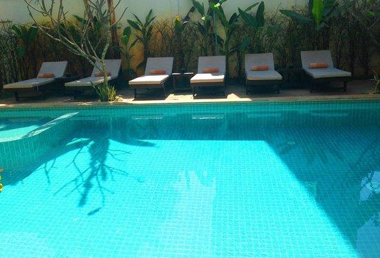 Apsara Centrepole Hotel: Pools Side