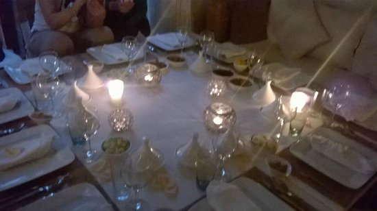 Riad les Orangers d'Alilia Marrakech : Tavola apparecchiata