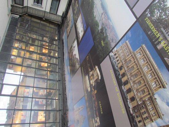 The Three Corners Hotel Bristol: Il tetto della sala colazione visto dalla camera 308