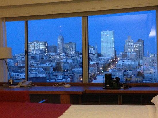 Holiday Inn San Francisco Golden Gateway : Tomber de la nuit super vue