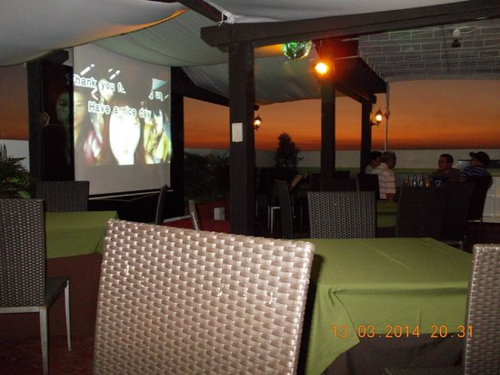 Parque Espana Residence Hotel : sunset on the roof top