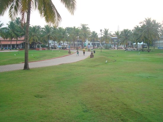Holiday Inn Resort Goa: landscaps