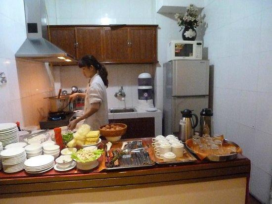 Aquarius Legend Hotel : cocina desayuno