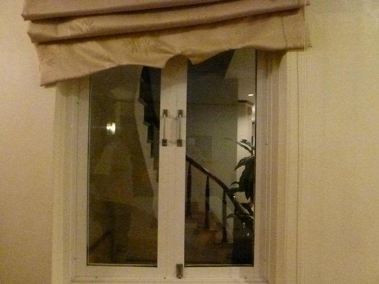 Aquarius Legend Hotel : ventana interior