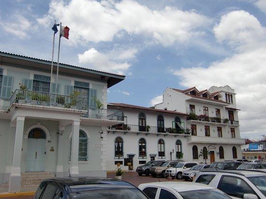 Almiza Tours by My friend Mario: Französchisches Viertel - Panama Stadt