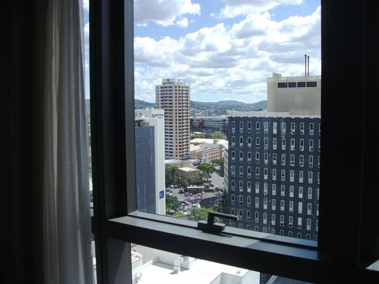 Meriton Serviced Apartments Brisbane on Herschel Street : Room with a view