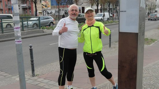 Mike's SightRunning Berlin : Beate & Moshe Sight Running in Berlin
