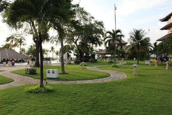 Discovery Kartika Plaza Hotel: Виды внутри отеля