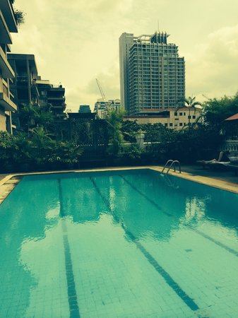 Boulevard Hotel Bangkok: The swimming pool