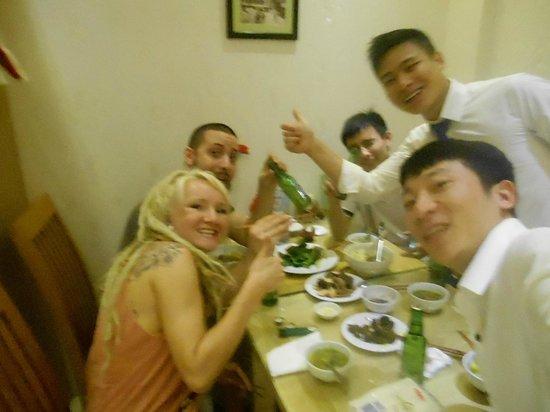 Hanoi Victory Hotel : nice breakfast party :)