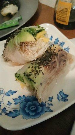 Sushimio: Freshly made rice rolls