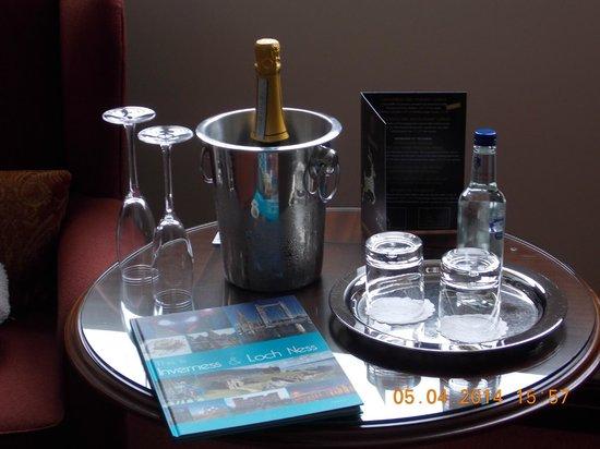 Macdonald Drumossie Hotel: Prosecco on arrival