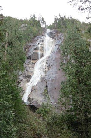 Shannon Falls Provincial Park: Good Flow