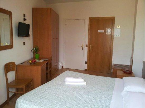 호텔 에디