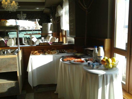 Hotel Restaurant El Muelle de Suances: Desayuno