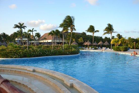 Grand Bahia Principe Tulum: une des piscines