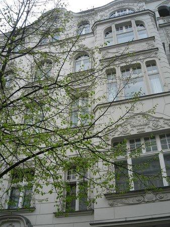 Hotel Pension Columbus: Husfasaden