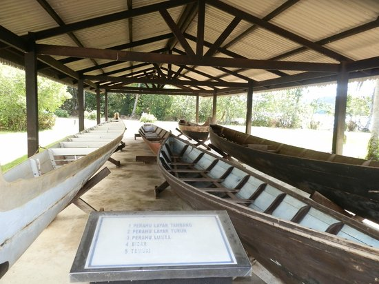 Malay Technology Museum : This is not a replica but a real boat on display