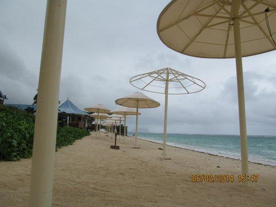Pearle Beach Resort & Spa: @ beach side