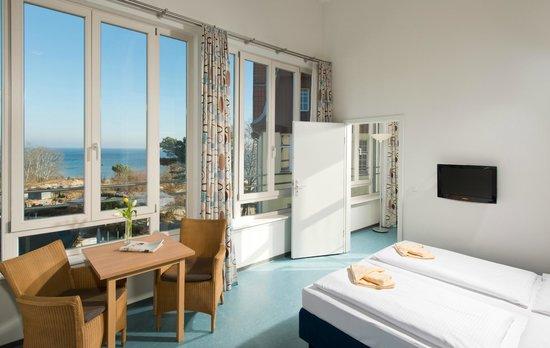Hotel Strandvillen Bethanienruh: Familienzimmer mit Meerblick im Lug ins Meer