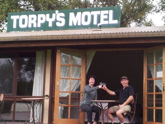 Braidwood Torpys Eco Motel: Carecycleoz at Torpys with Andy