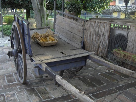Ristorante Cascina Lorenza : Arredi giardino