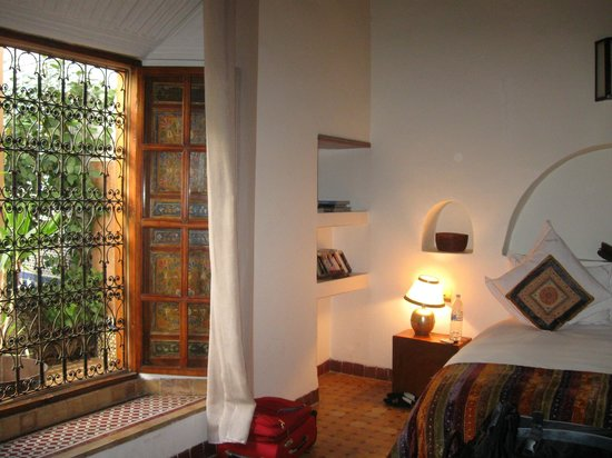 Riad Laaroussa Hotel and Spa : Our room and the window overlooked the courtyard