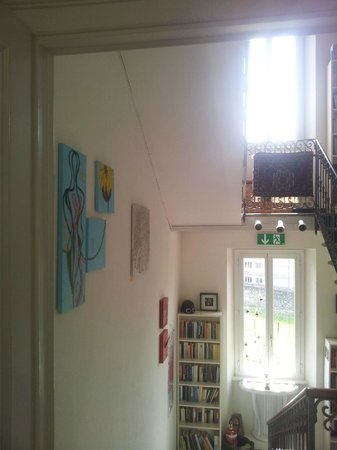 Villa Art'e: Treppenaufgang zum 1. Stock.