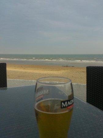 Sandbanks Hotel: Beach terrace area view.