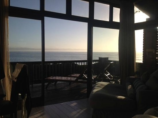 Shaloha Guesthouse on Supertubes: View from the bed, good view for sunrise!