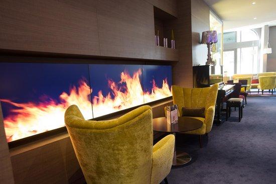 Mercure Nantes Centre Grand Hotel : Bar Lounge 4.44
