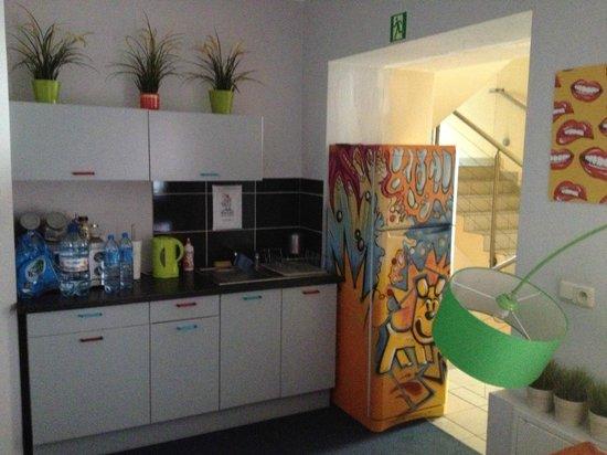 Boogie Hostel : Kitchen
