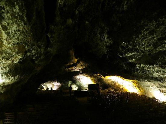 Cueva de los Verdes concert hall